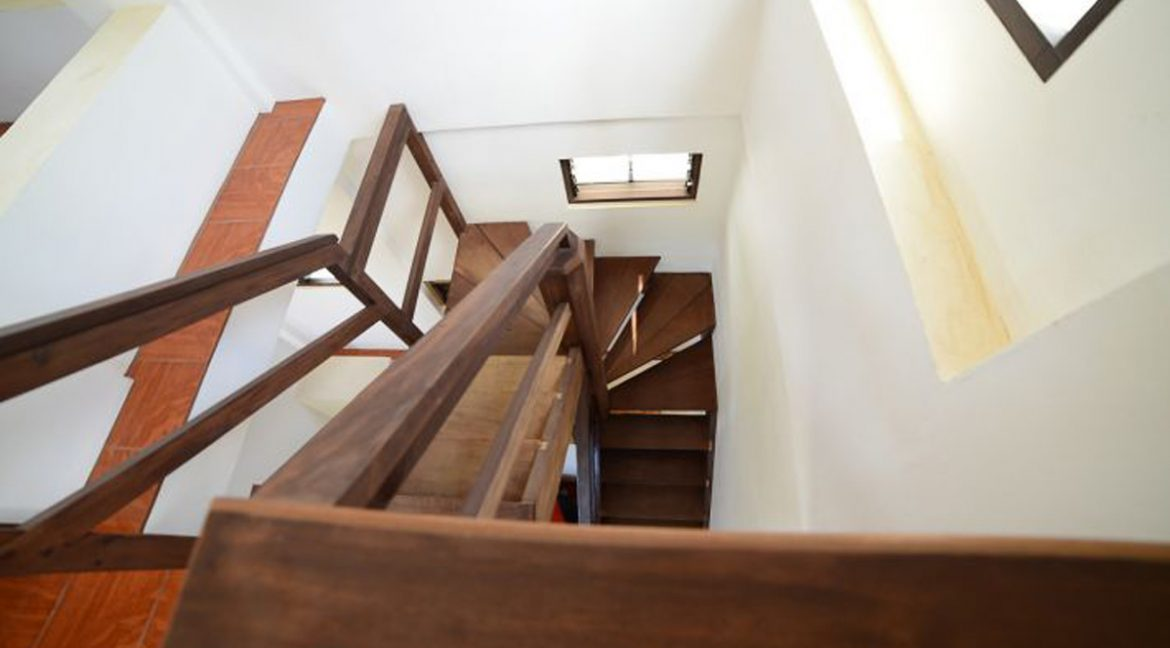 Czech_House_Wood_Stairs555f8f134bd3f