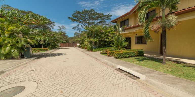 House-for-sale-Nosara-Community-2254c417f9465c4