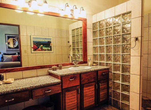 Nosara_Beach_Condo_Bathroom52e18d10634f0