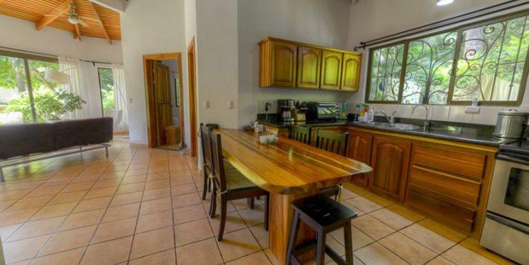 Pitos_Kitchen55b295fedb441
