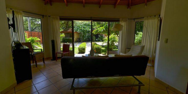 Pitos_Living_Room55b29602735af