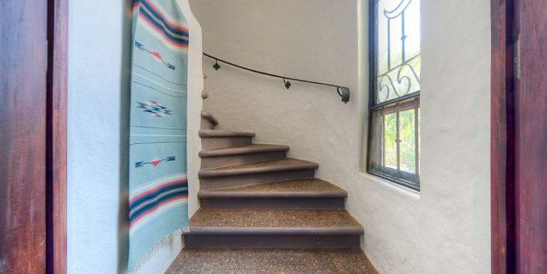 Villa_Clara_Vista_Stairwell54d554e369917
