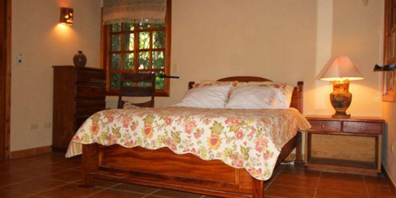bedroom-255f1ea5bd4181