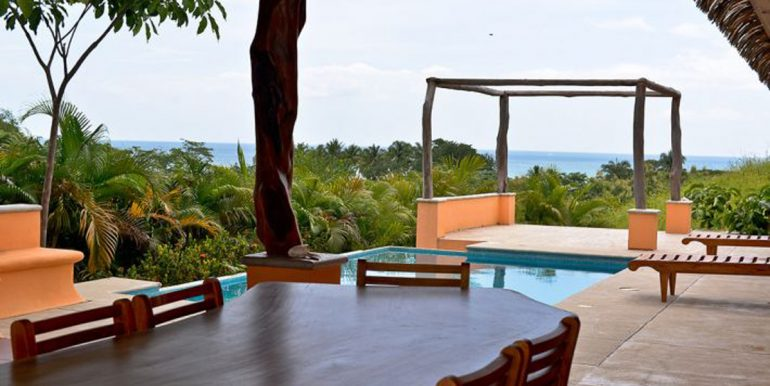 dining_pool_ocean_1374525758