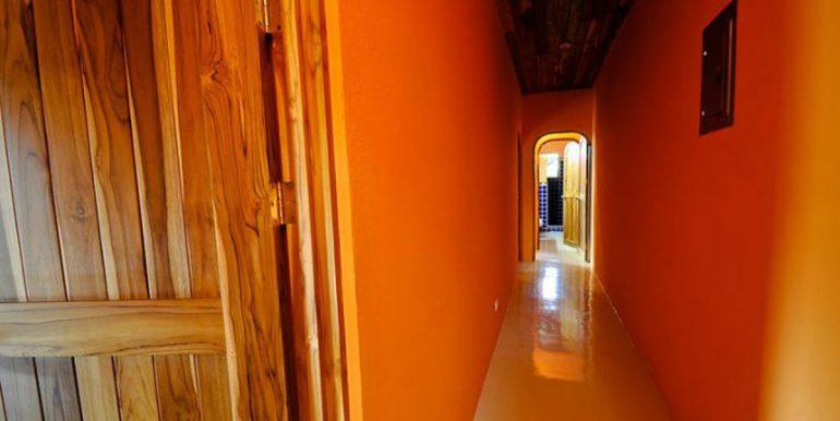 indoor_hallway_1374514898