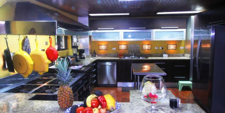 nyi-house-kitchen55f73a90ad5d0