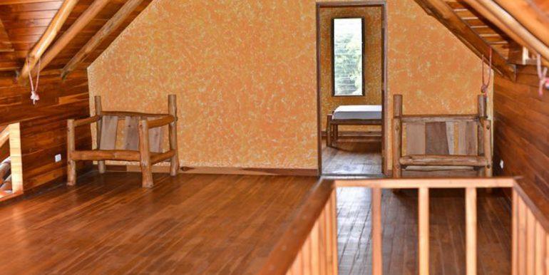 upstairs_loft_and_bedroom_1374525709