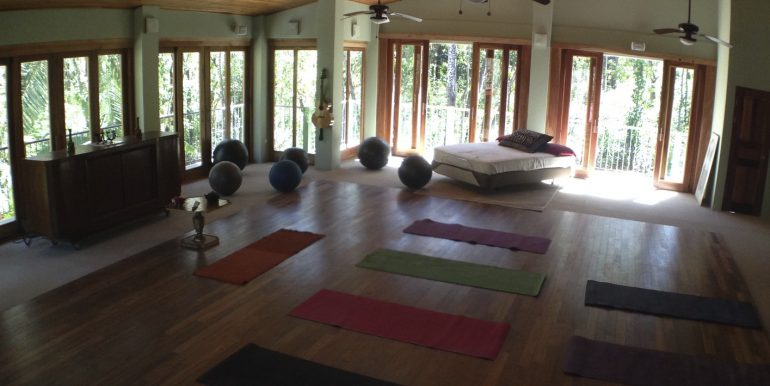 upsatairs yoga floor