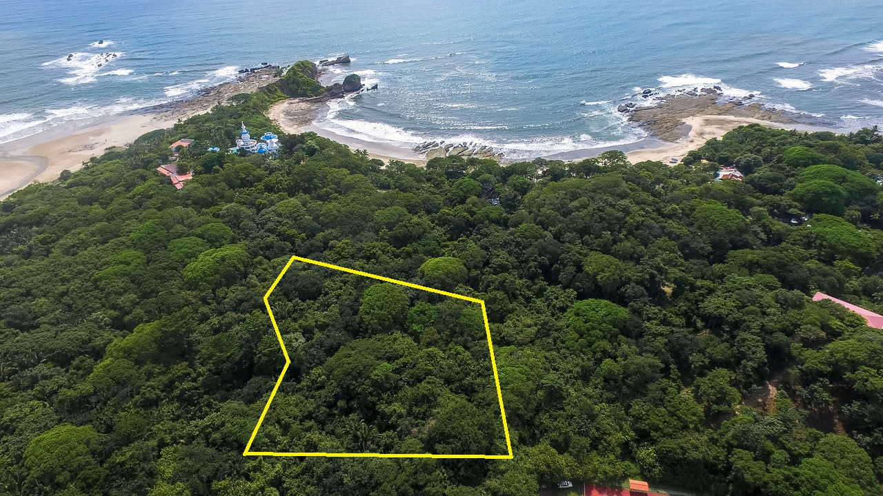 Beachfront with Direct Access to Playas Pelada and Guiones
