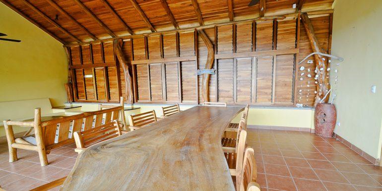 Rancho Teak Ceiling