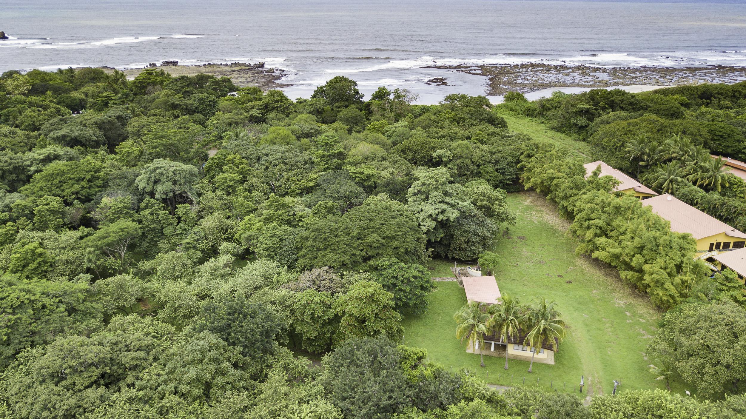 Steps to Scenic Playa Pelada