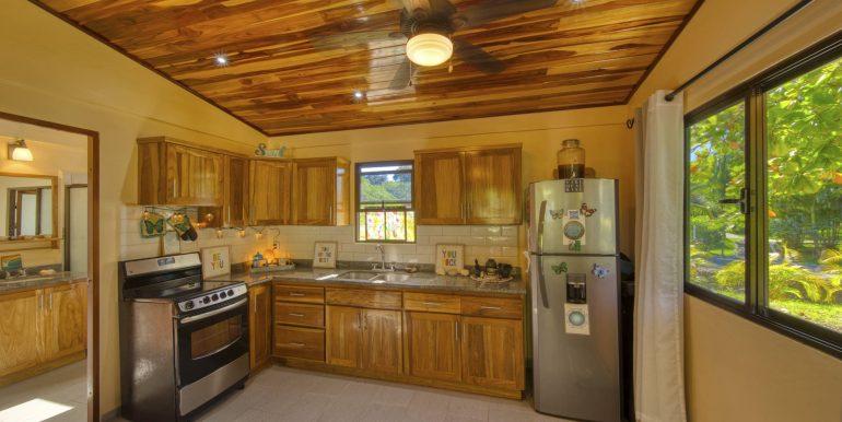 Casita #2 Kitchen_2500 pixels