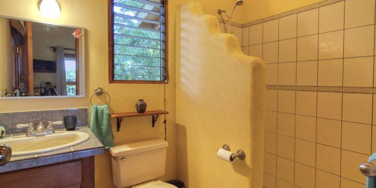 Main House guest bathroom_2500 pixels